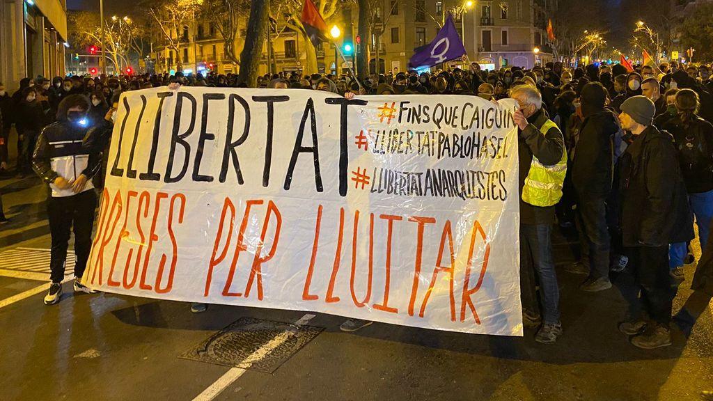 Nueva tarde de protestas pro Hasél en Barcelona