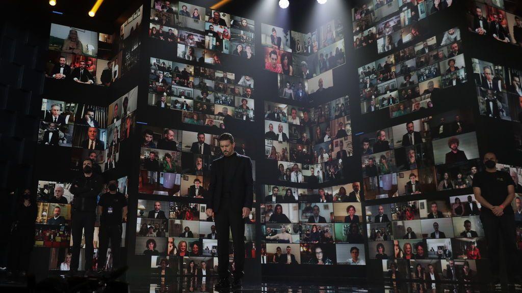 Minuto de silencio en los Premios Goya 2021 ©Miguel Córdoba – Cortesía de la Academia de Cine