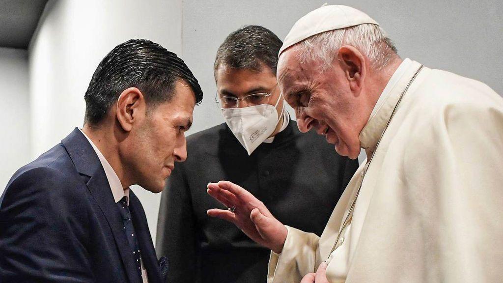 El Papa se reúne en Irak con el padre de Aylan, el niño ahogado en 2015 cuando trataba de llegar a Europa