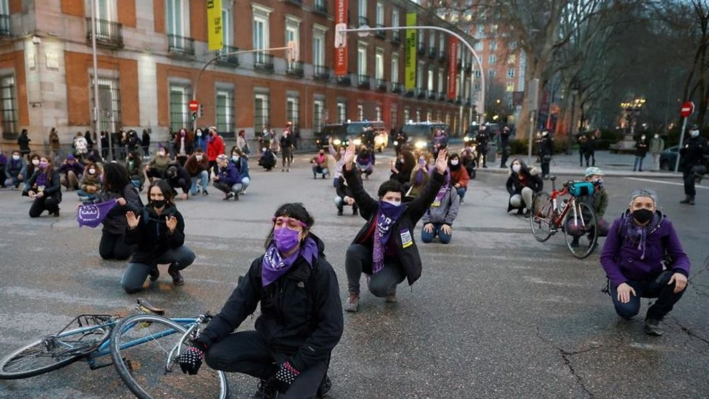 Mujeres del mundo luchan por la igualdad en este atípico 8 de marzo