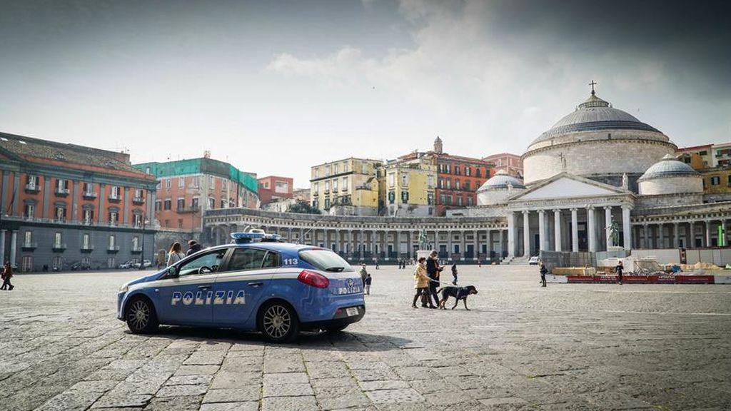 Italia: Nápoles cierra colegios, restaurantes y comercios por el aumento de contagios de covid