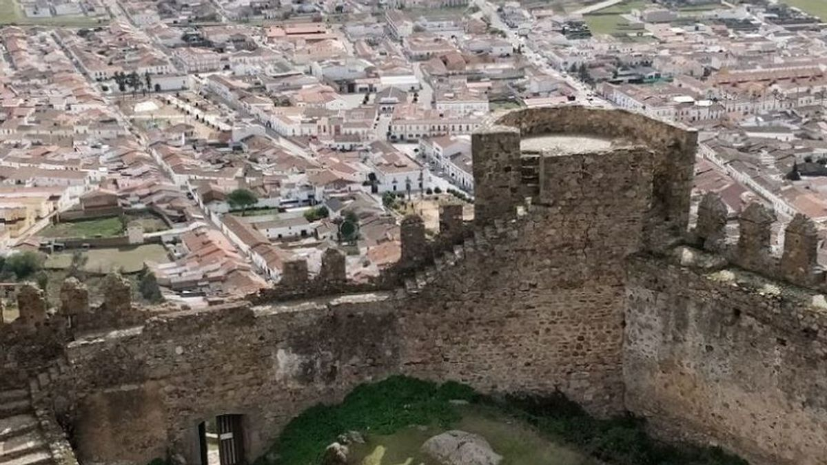 Los 22 positivos de un colegio de Burguillos (Badajoz) suben la incidencia de Extremadura