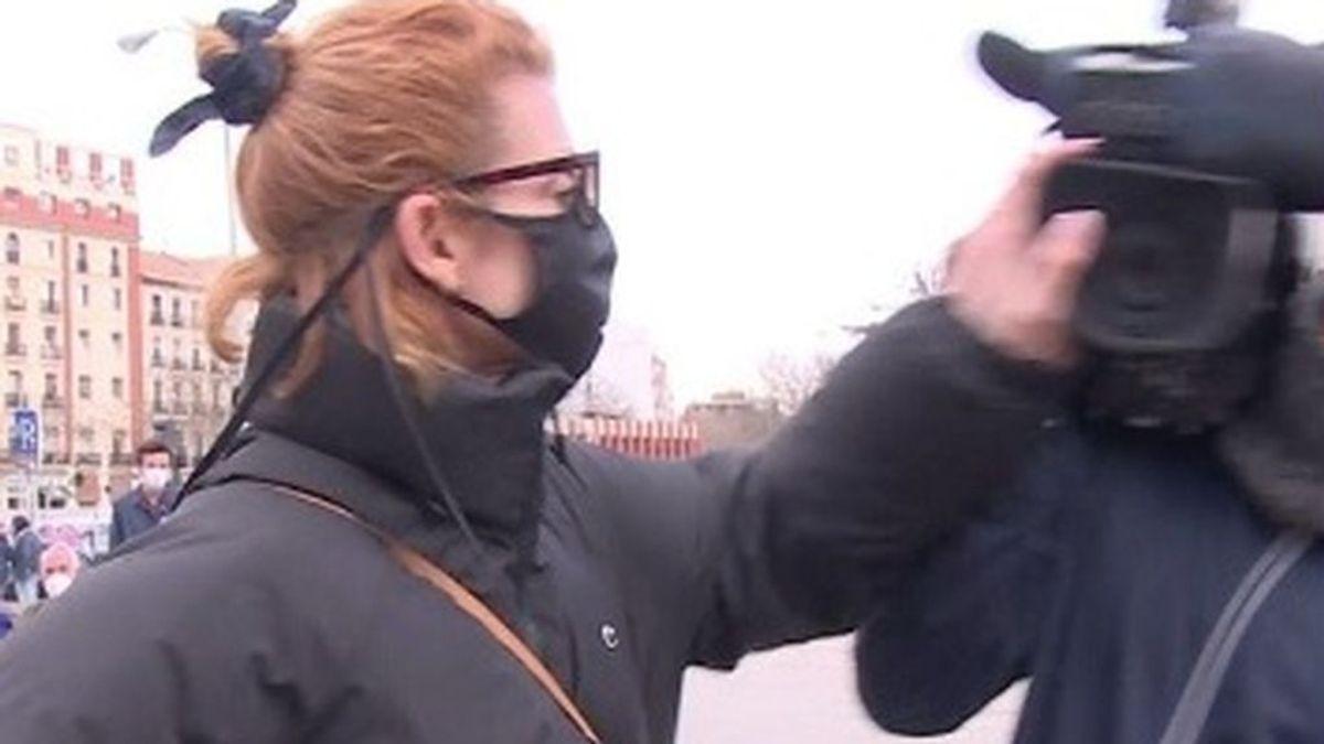 """Nawja Nimri golpea a los cámaras de TV a su llegada a Madrid de los Goya:""""Que una actriz haga esto..."""""""