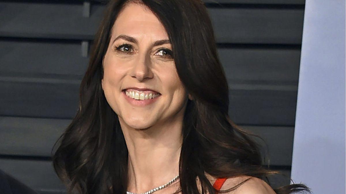 La multimillonaria MacKenzie Scott, ex de Jeff Bezos, se casa con un profesor de ciencias de Seattle