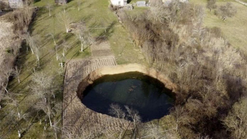 giant-sinkholes-croatia-696x479