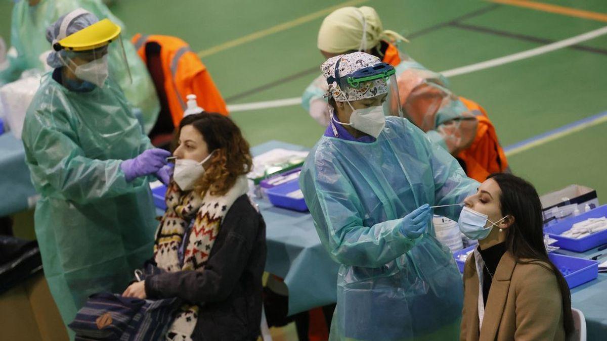 España baja a 11.958 casos y 298 muertos en fin de semana