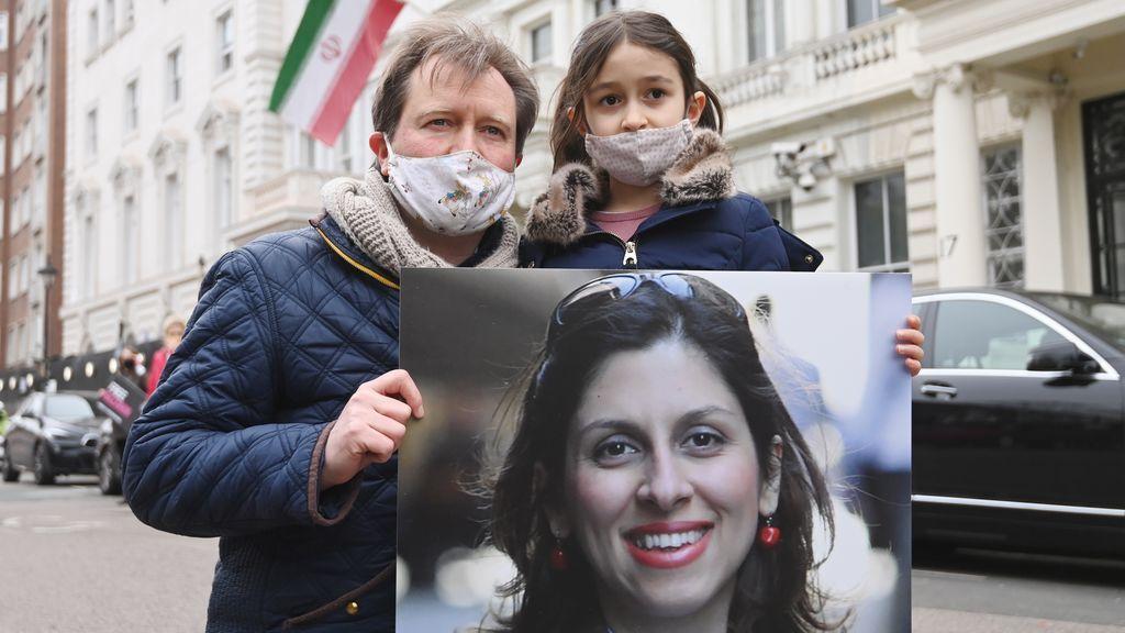 Liberan a la británica-iraní Zaghari-Ratcliffe, pero tendrá que afrontar un nuevo juicio