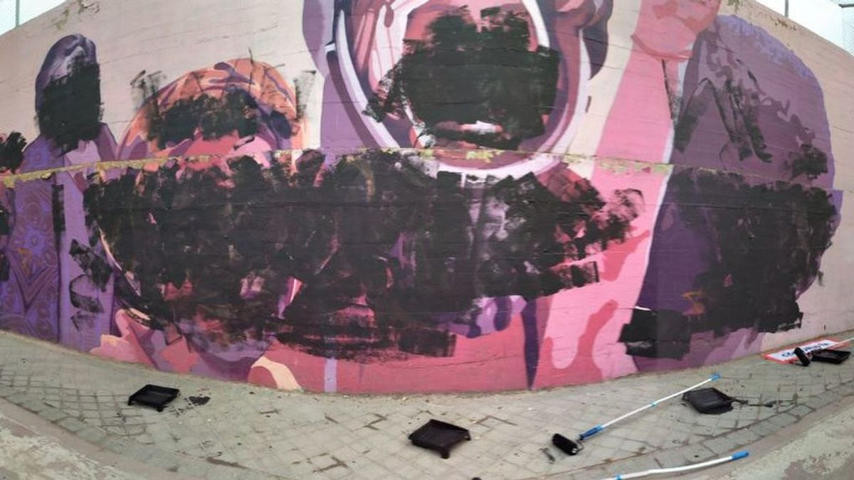 El mural que homenajea a las mujers en Ciudad lineal amanece con tachones