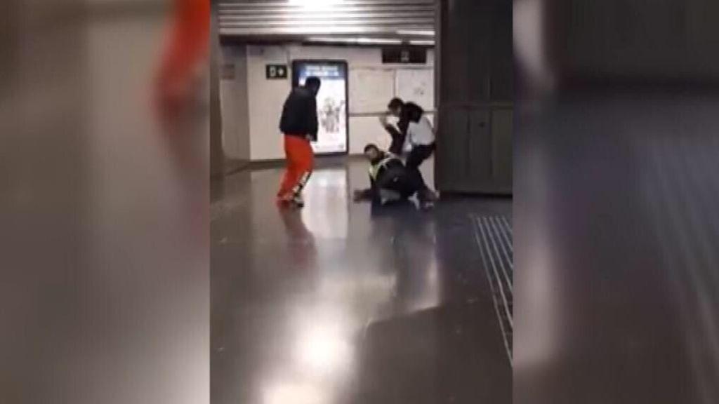 Agreden a un guardia de seguridad en la estación de La Sagrera de Barcelona