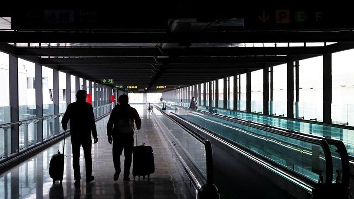 """Madrid rechaza el """"cierre perimetral"""" mientras no se controle el aeropuerto de Barajas"""