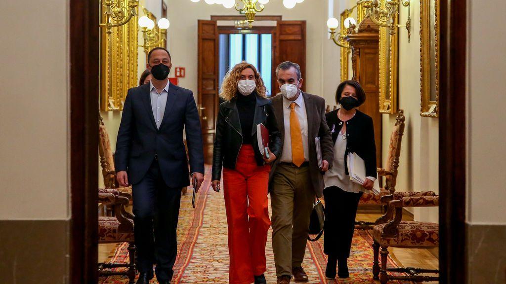 El Congreso tumba la comparecencia de Felipe VI y una investigación sobre el emérito con los votos de PSOE, PP y Vox