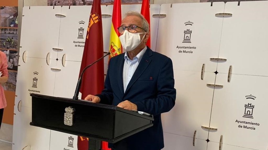 Dimite el concejal de Salud de Murcia tras la polémica por su vacunación
