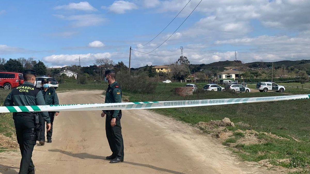 Investigan la muerte de dos adultos y una niña en el incendio de una casa en Madrid