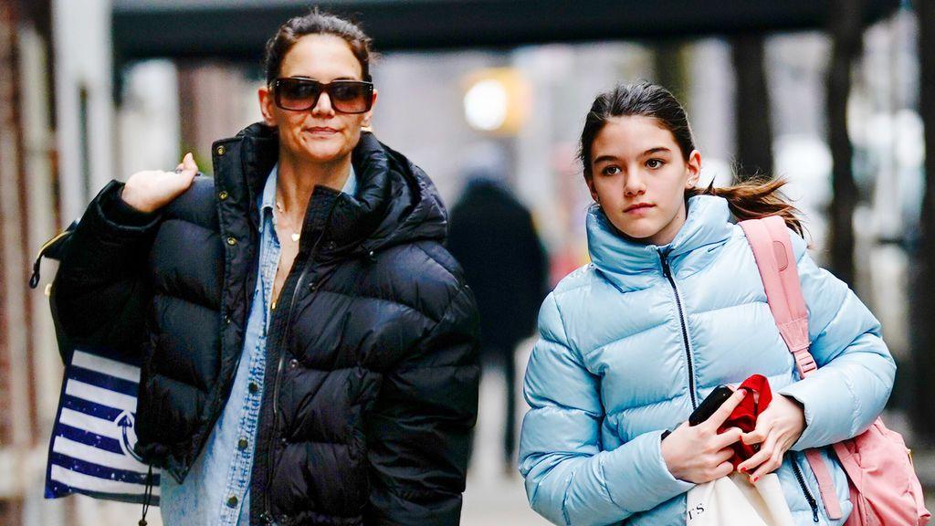 Suri Cruise, la adolescente e influencer, hija de Tom Cruise y Katie Holmes: así ha cambiado en estos últimos años.