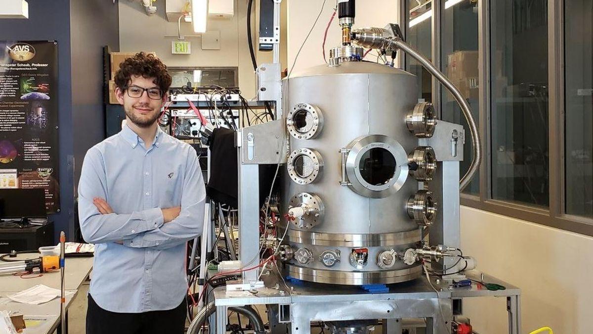 El joven granadino que ha conseguido 'colar' su experimento en un cohete de Blue Origin