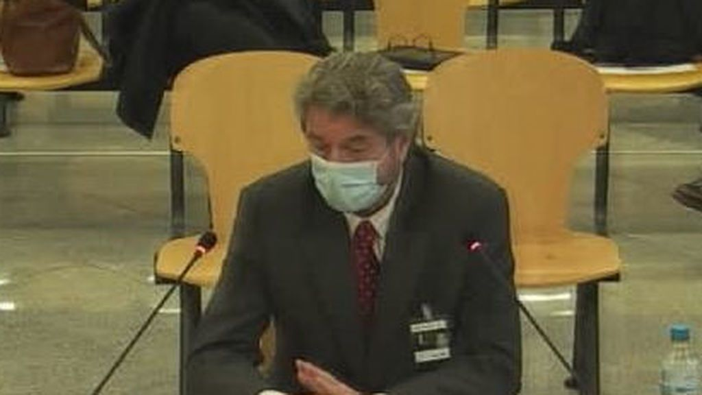 Cristóbal Páez cuenta en el juicio de la caja b del PP cómo recibió su primer sobresueldo