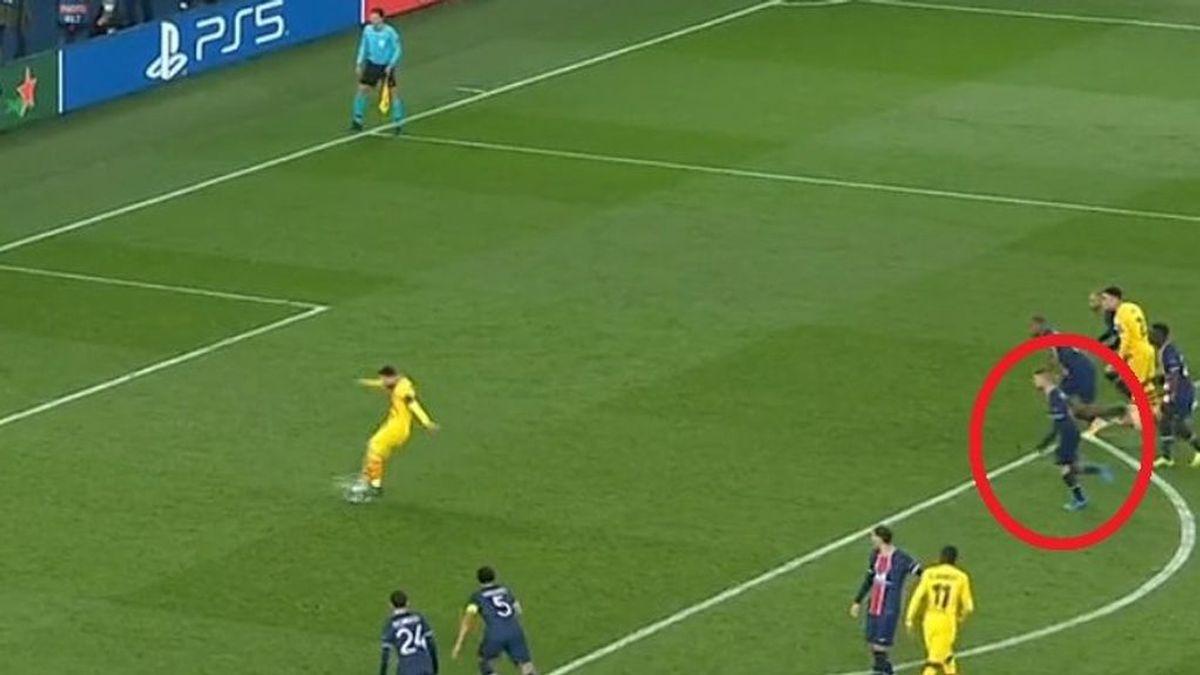 """La decisión arbitral del PSG-Barcelona que podría haber cambiado el partido: """"Es uno de los mayores errores del VAR"""""""