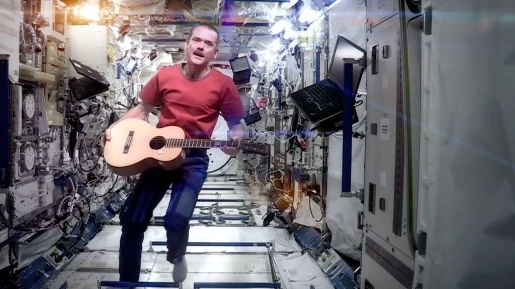 guitarra espacio
