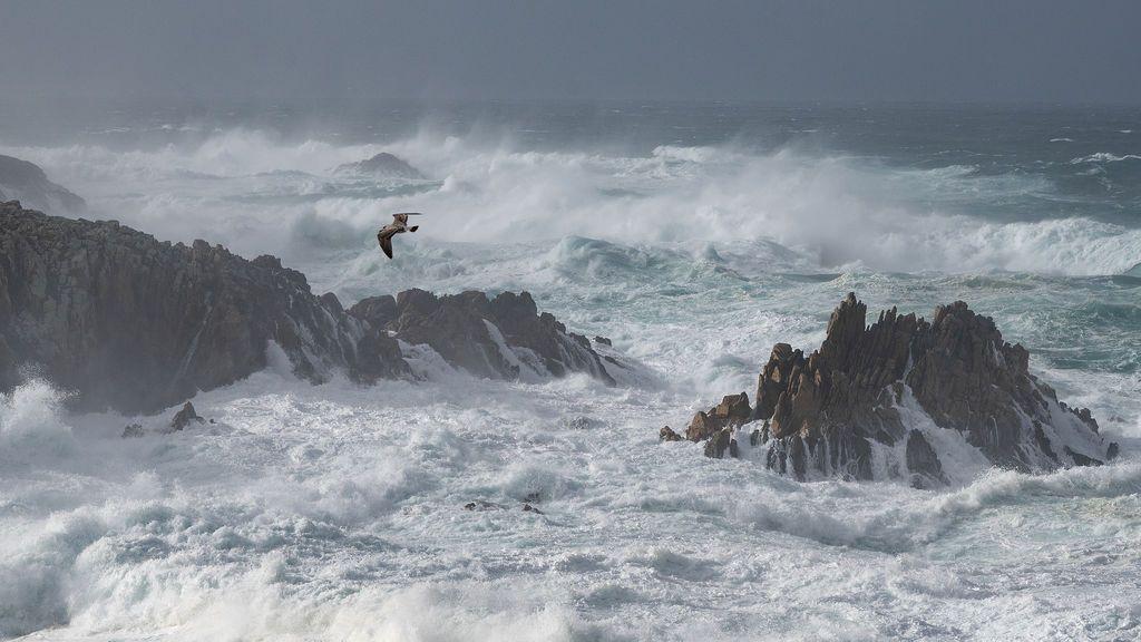 Una inmensa borrasca golpeará Reino Unido y pondrá en aviso naranja a Galicia el jueves