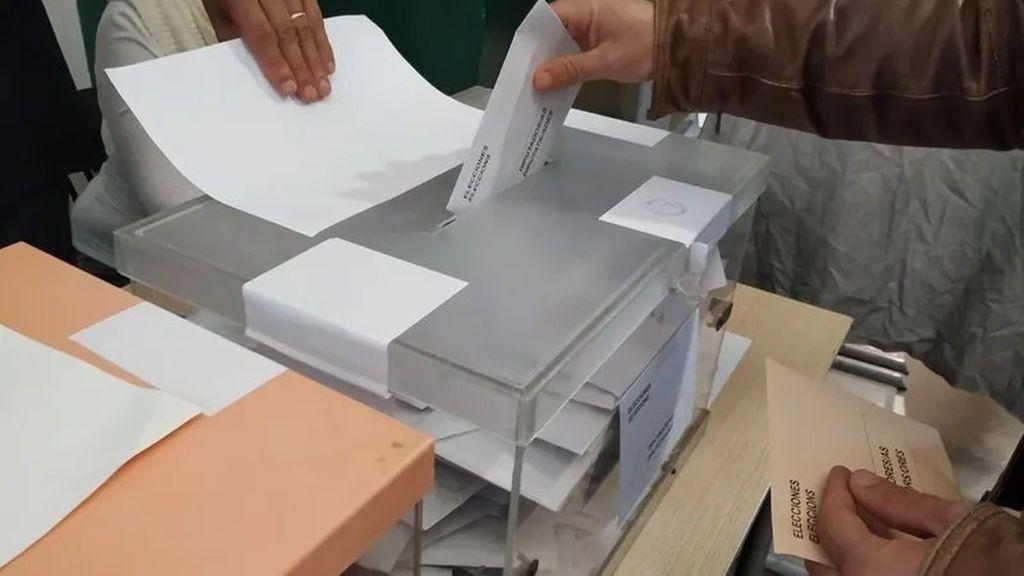 Las elecciones anticipadas en Madrid caerán en martes: ¿se pueden celebrar entre semana?