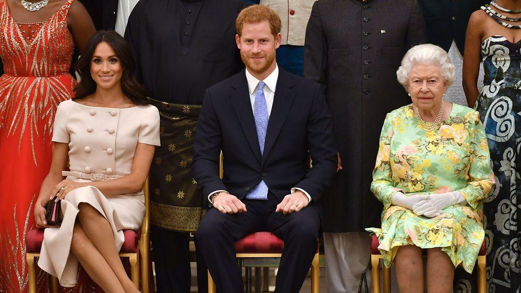 ¿Con la reina o con Harry y Meghan? El gráfico que explica cómo jóvenes y mayores de 65 se toman el cisma muy diferente