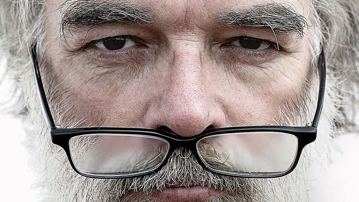 ¿Qué hay de cierto en que puedes contagiarte de covid por los ojos?