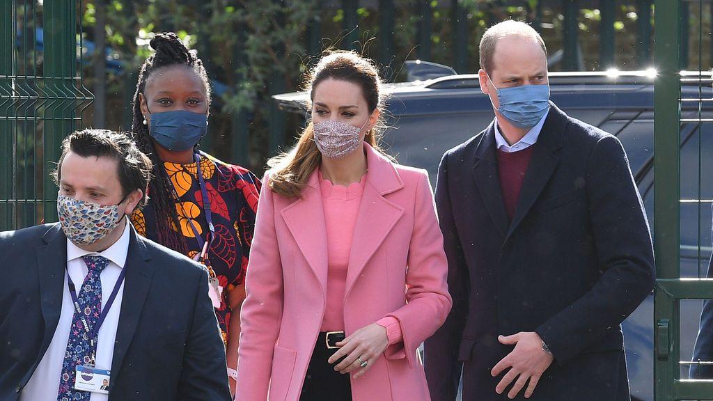 """El príncipe Guillermo responde a Enrique y Meghan : """"No somos una familia racista"""""""