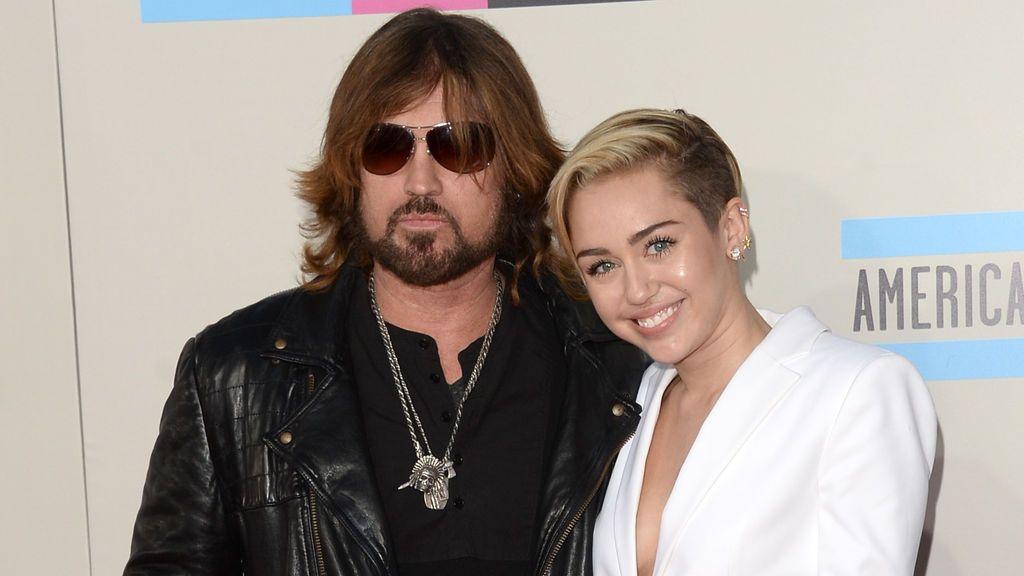 Billy Ray Cyrus es un conocido cantante de country.