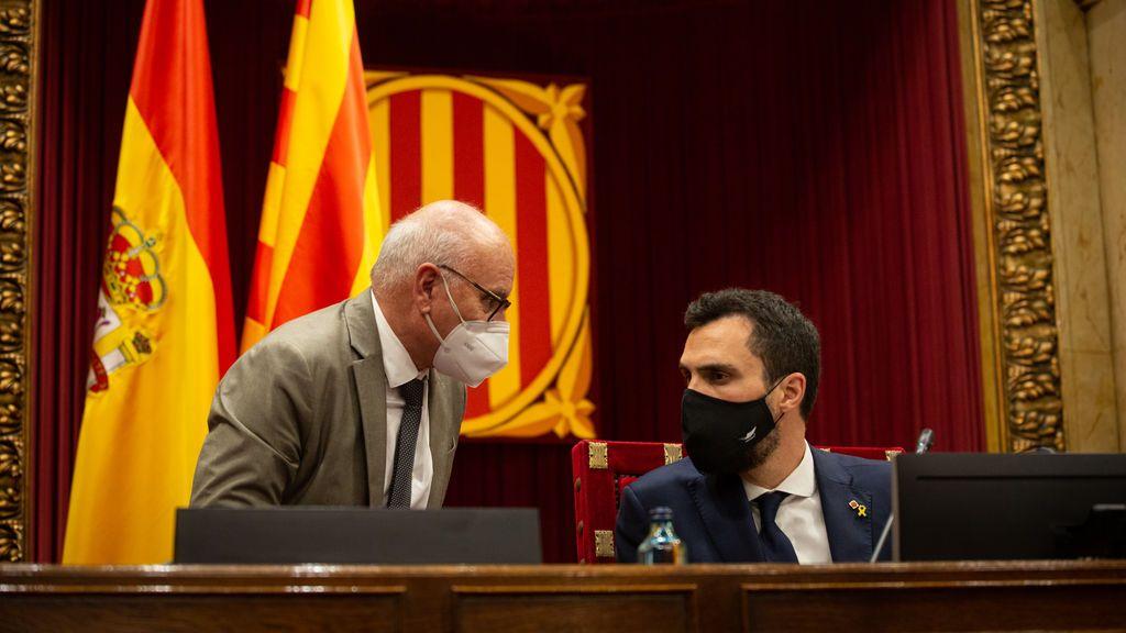 Cataluña constituye el Parlament con el anticipo del pacto de los nacionalistas por la Mesa
