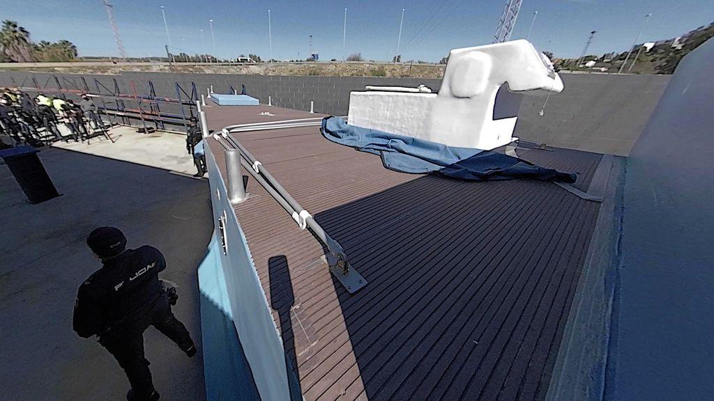 La cubierta de la embarcación