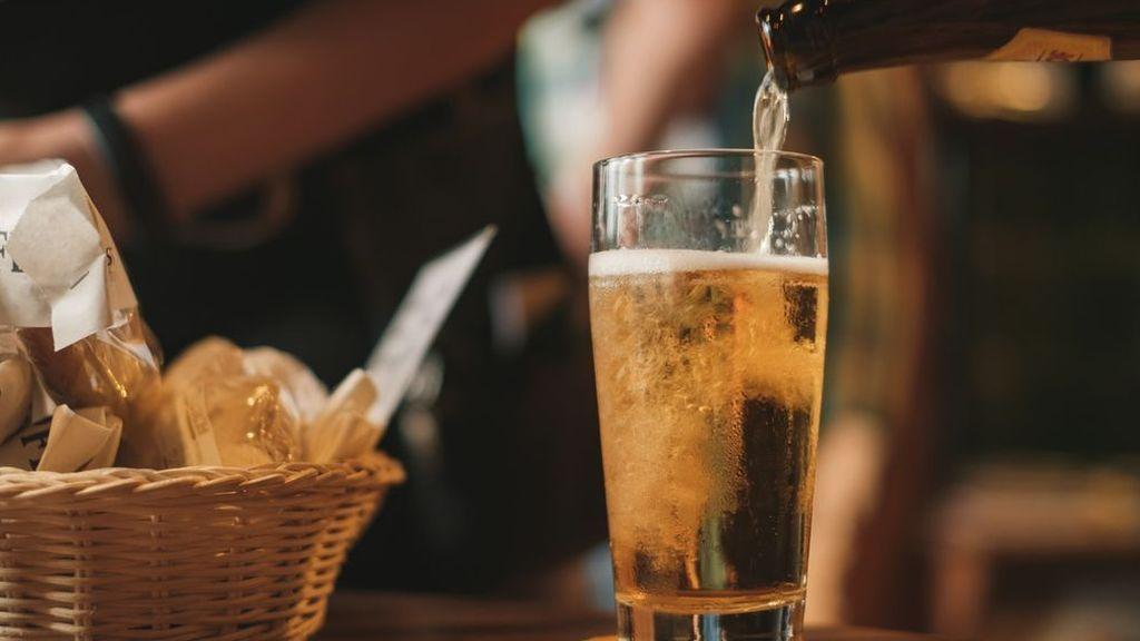 Un científico en el super explica cómo quitarle el alcohol a la cerveza