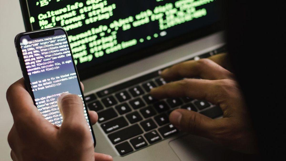 Cómo evitar Flubot, el virus que ha infectado 60.000 móviles en España y roba datos en nombre de FedEx