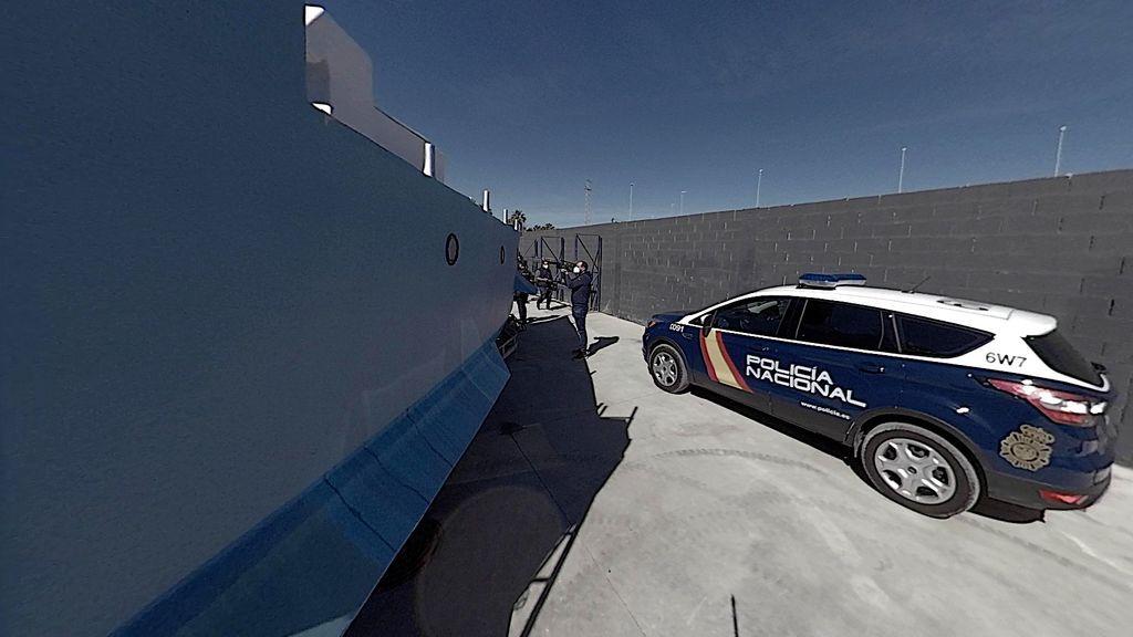 Un lateral de la embarcación