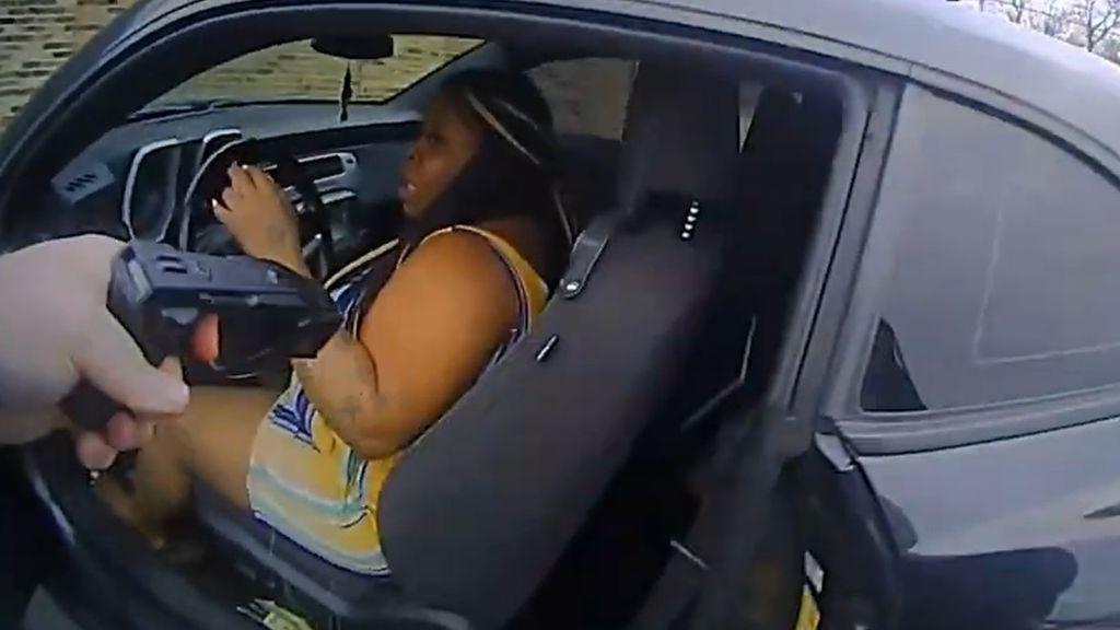 Un policía mata a una mujer afroamericana que le disparó durante un control en Nashville