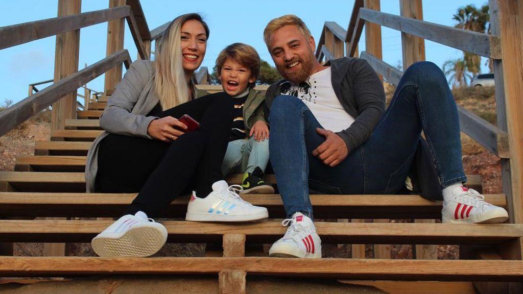 Cristian y Cristina, con su hijo Romero (2021)
