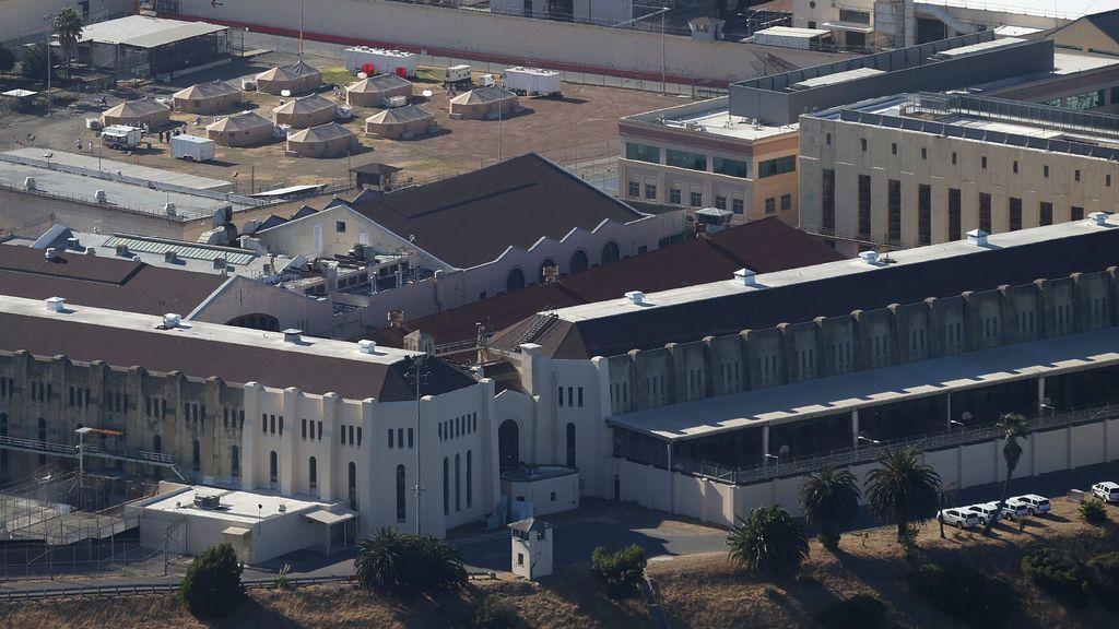 Ordenan cámaras corporales en las cárceles de California tras abusos a varios presos discapacitados