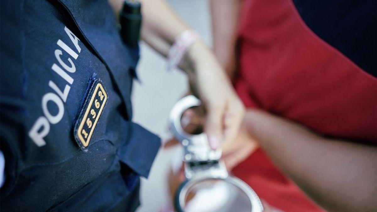 Detenido un hombre por robar 16.000 euros en bancos de Tarragona al hacerse pasar por cinco personas diferentes