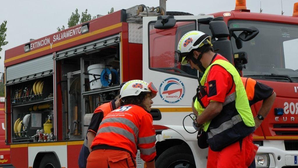 Muere un joven y sus padres resultan heridos en el incendio de su casa en Sevilla