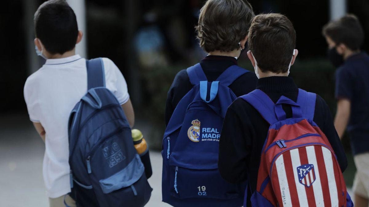 """El Gobierno de Ayuso asume que la elecciones alterarán el calendario escolar: """"Es muy probable que no haya clase"""""""