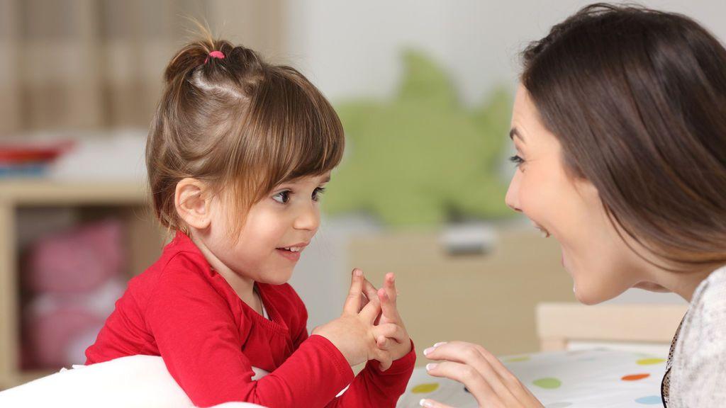 Repeticiones de palabras en niños, ¿cuándo debo preocuparme? Estos son los síntomas a los que tendrás que prestar atención