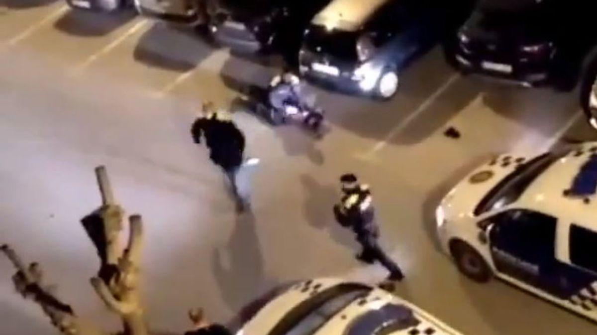 Una pelea multitudinaria por un partido de fútbol acaba con dos personas apuñaladas en Montornès
