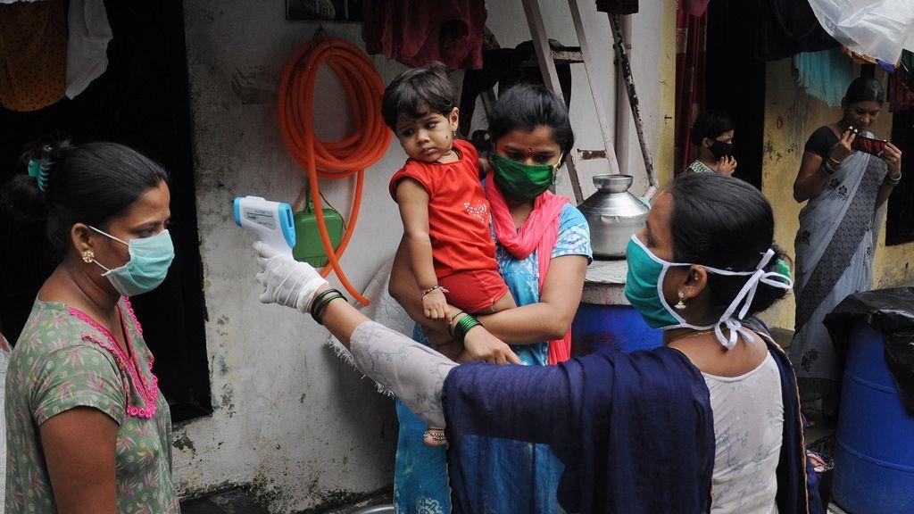 India confirma su cifra máxima diaria de contagios de coronavirus en lo que va de 2021