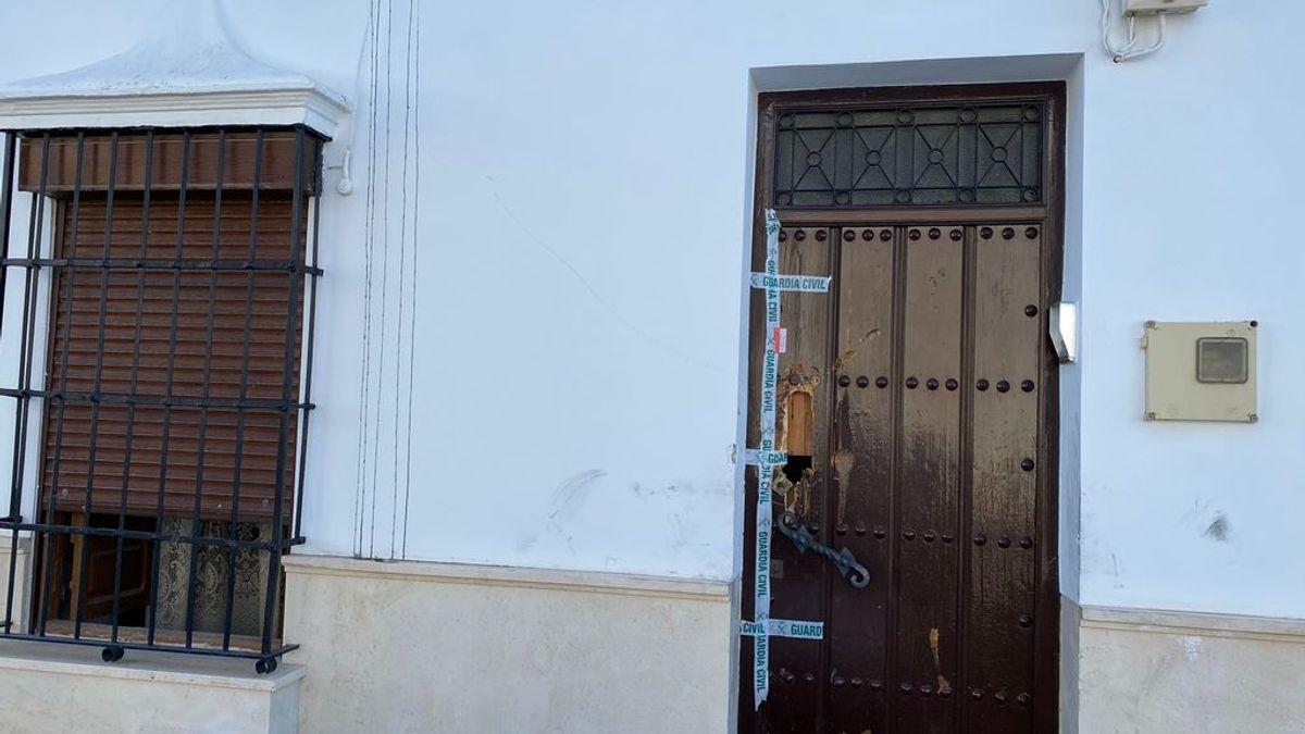Muere un joven de 28 años y su padres resultan herido de gravedad en un incendio en Sevilla