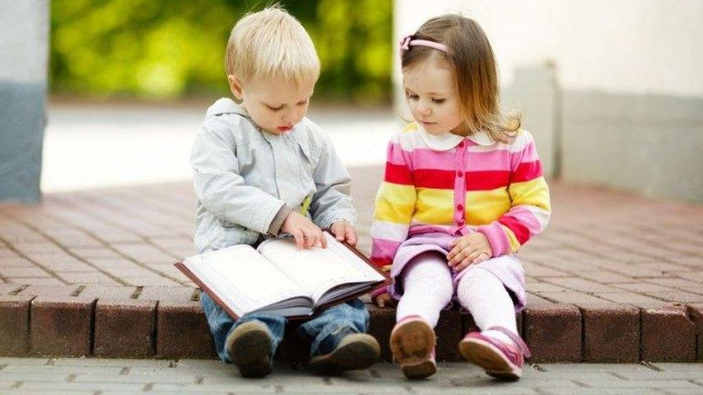 La ecolalia es una complicación que puede implicar la repetición de palabras.