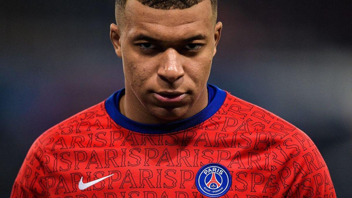 Mbappé, en el punto de mira en París: sigue sin renovar y divide a la afición del PSG