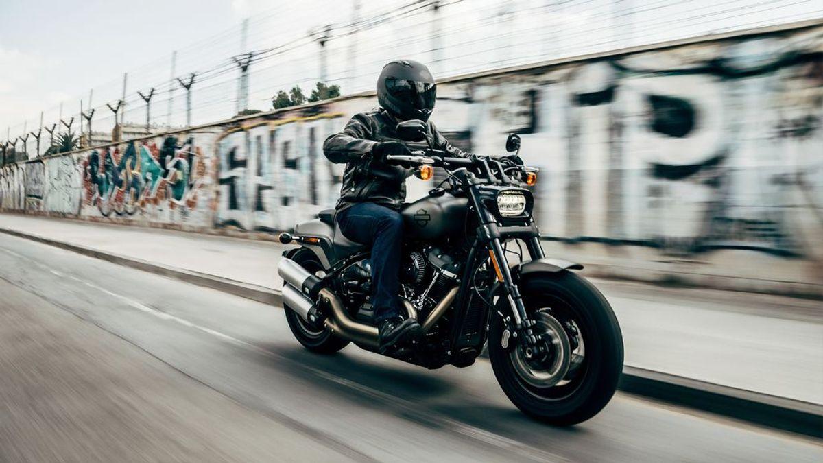 Conducción segura pero llena de adrenalina: consejos para subirte a una moto a partir de los 50