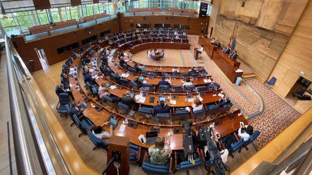 La Asamblea de Madrid tendrá cuatro diputados más tras el 4-M: por que crece y cómo afecta a las mayorías