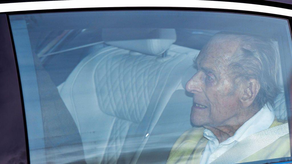 El duque de Edimburgo recibe el alta hospitalaria tras permanecer un mes ingresado