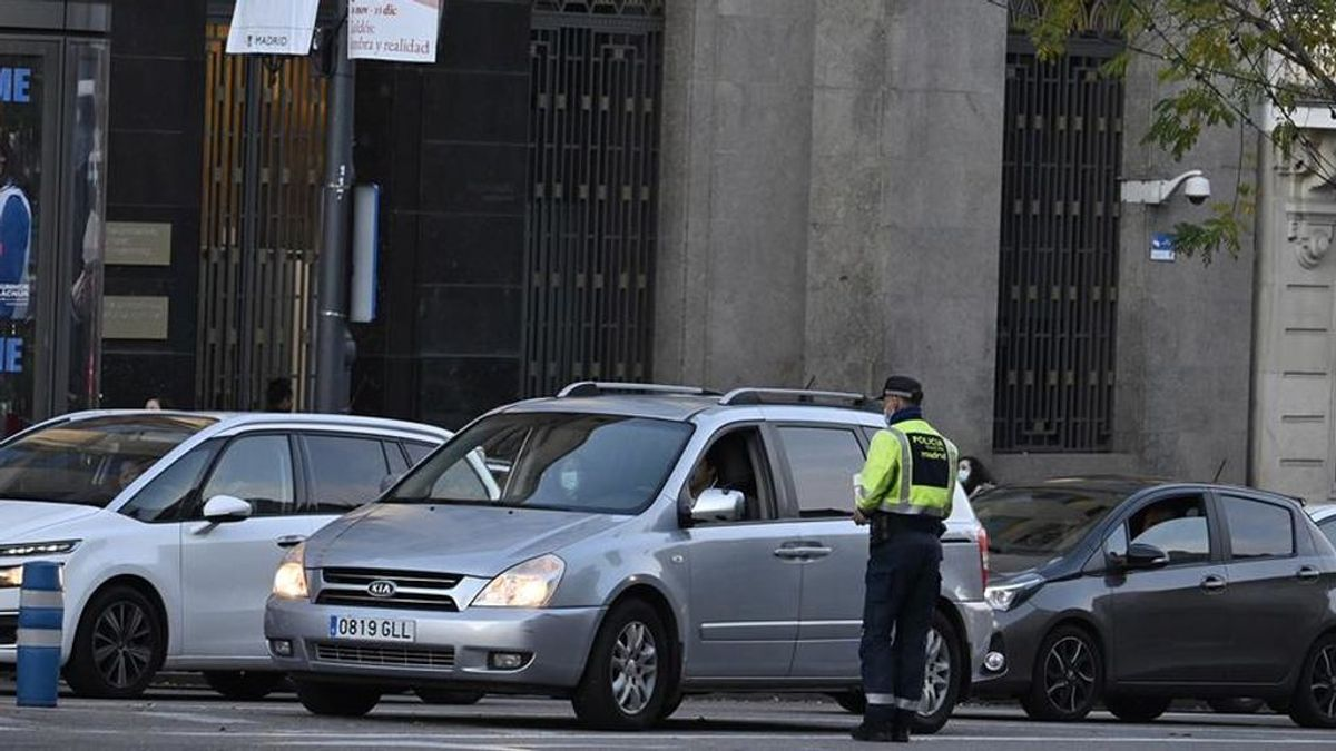 La policia desaloja una boda con 30 invitados en una fábrica de lápidas de Madrid