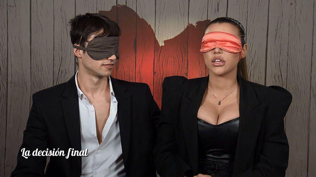 Nika y Óscar en el programa 'First Dates'